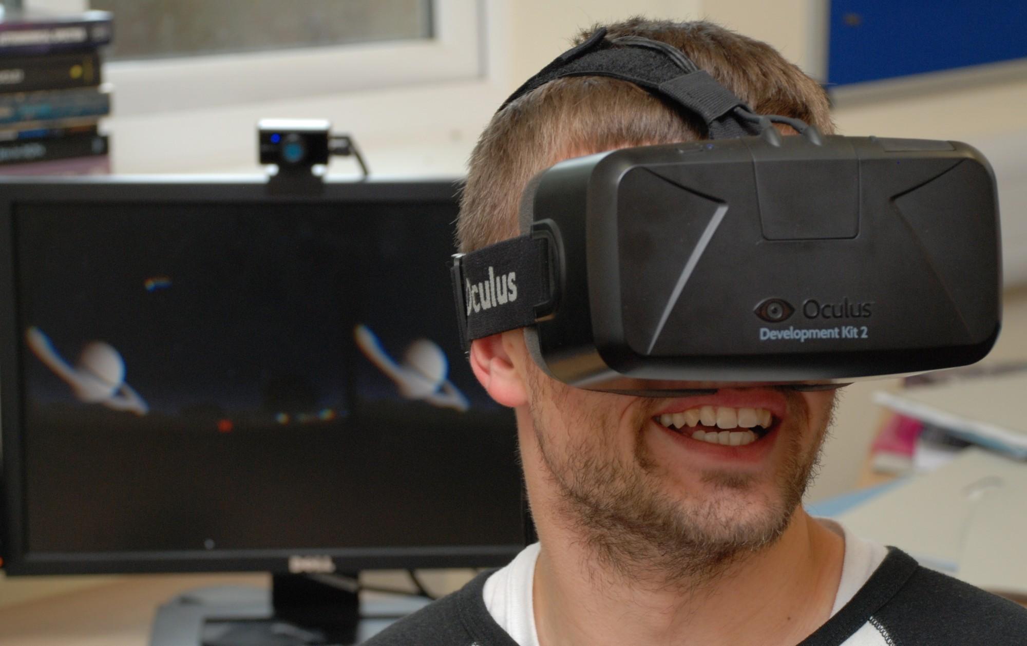 Student John Timlin using the prototype Starsight software on the Oculus Rift headset. Credit: Jason Cowan, UK ATC