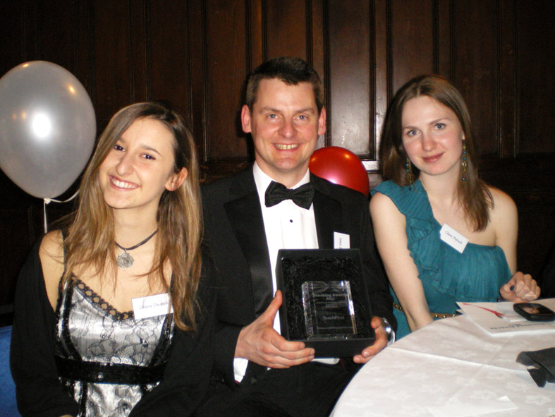Simon Bates with first year Physics students Chiara Decaroli and Claire Puttock.