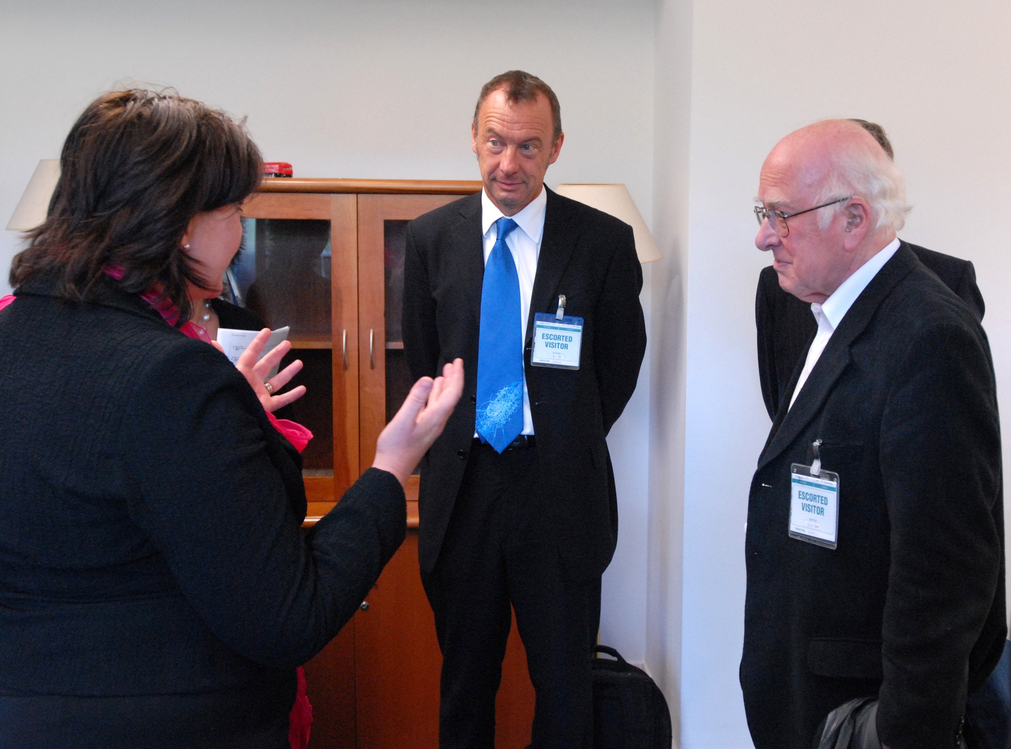 From left to right: Fiona Hyslop, Richard Kenway and Peter Higgs at the Scottish Parliament.
