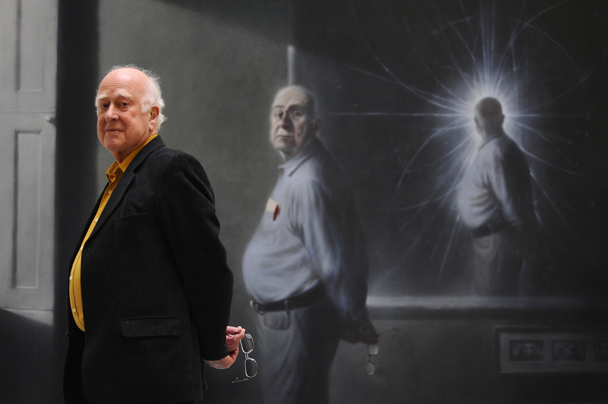 Peter Higgs in front of his portrait by Ken Currie at its unveiling on 2nd March 2009.