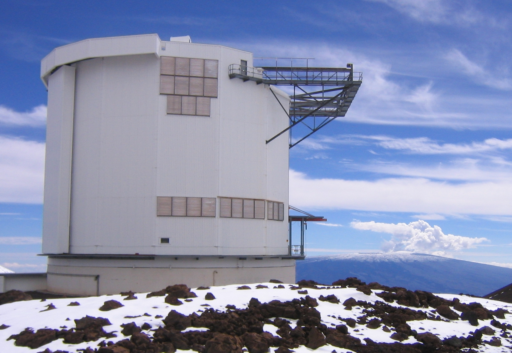 With a diameter of 15m the JCMT is the largest telescope in the world designed specifically to operate at submillimetre wavelengths. Credit: Joint Astronomy Centre